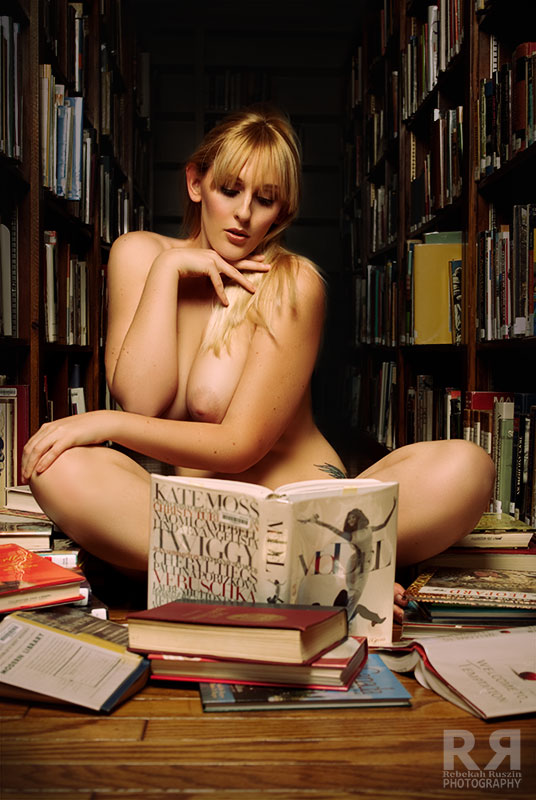 grazie a http://bibliophile-exhibitionism.tumblr.com/post/113276592592/learning-how-to-pose-by-nicolenudes